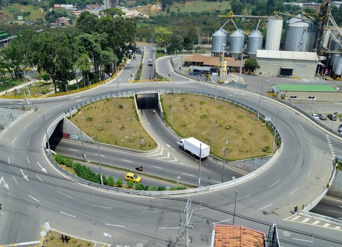 """Construcción del Intercambio Vial """"La Madera"""", Bello – Antioquia"""